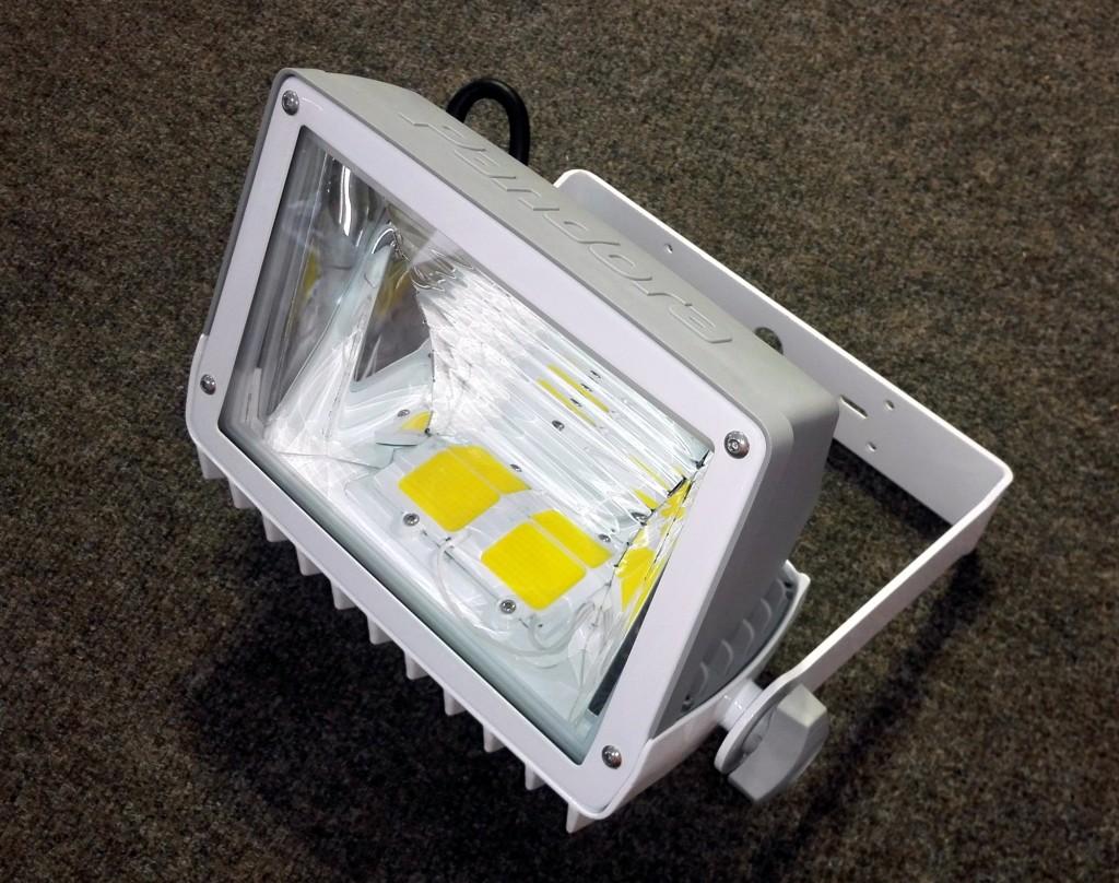 Новый компактный светодиодный прожектор «кососвет» от Pandora LED