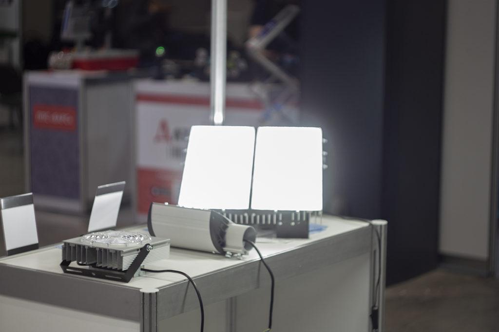 «СветКонсалт» на площадке SportB2B со светодиодным освещением